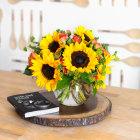 Teleflora Sunny Sunflower