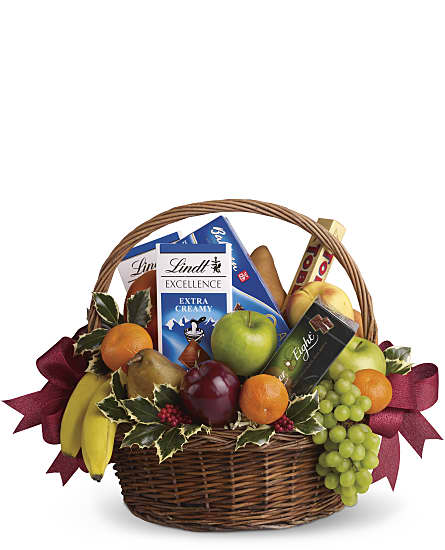 Fruits and Sweets Christmas Gift Basket, Fruits and Sweets Christmas ...