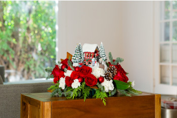 Teleflora Christmas 2019.Christmas Gift Guide Christmas Flower Arrangements Teleflora