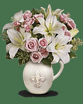 Teleflora's Fleur-de-Love Bouquet Flower Arrangement