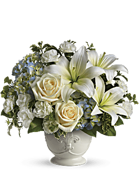 Beautiful Dreams by Teleflora Flower Arrangement