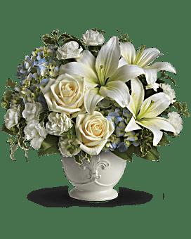 Beautiful Dreams by Teleflora Flower Arrangement