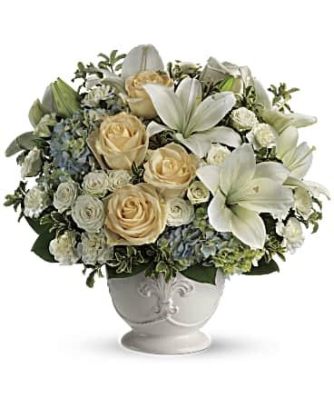 Beautiful Dreams By Teleflora Flower Arrangement Teleflora
