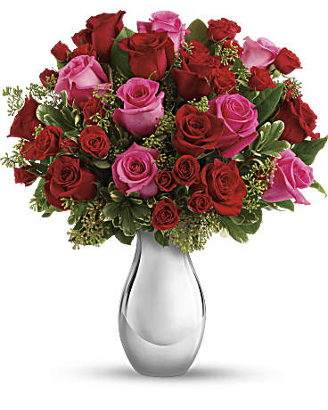 Telefloras True Romance Bouquet With Red Roses Teleflora