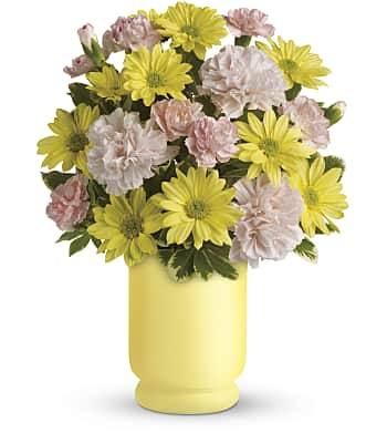 Teleflora's Bright Day Bouquet Flowers