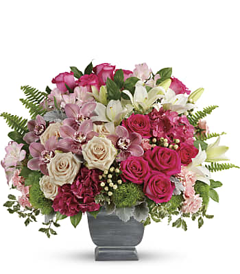 Teleflora's Grand Beauty Bouquet Flowers